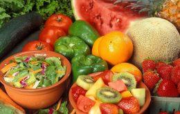درمان بیماری طوطی با آبمیوه منابع ویتامین